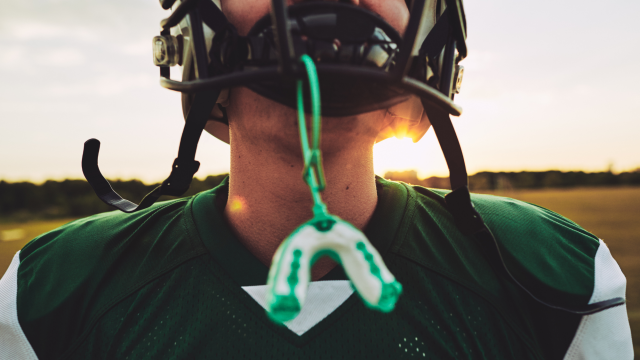 Featured Image For Mouthguards & sports drinks – how to protect our teeth while playing sports